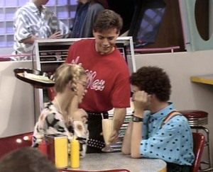 Apparently Scott Wolf was a Max waiter in this episode, too—man, they really milked that guest spot!